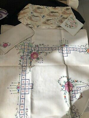 """Vintage Tablecloth - Hand-Embroidered 54.12"""" Square  Made In China + 6 Napkins"""