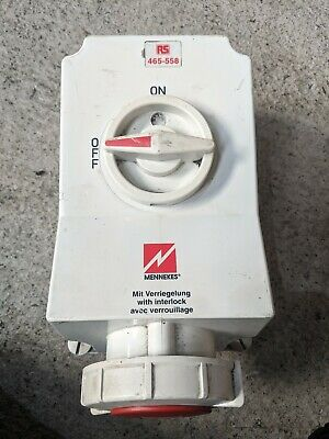 MENNEKES Switchable IP67 Industrial Interlock Socket 3P+E, Earthing Position 6h,