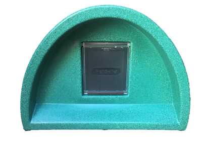 Outdoor Cat Kennel £57.00 Plastic Cat House+ Flap Pod Bed Shelter