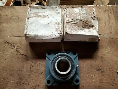NOS LOT (2) 2-1/2 in Bore Square Flange Bearing Units Cast Iron UCF213-40