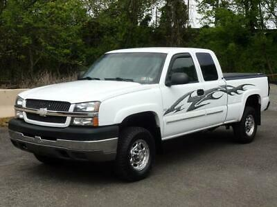 2004 Chevrolet Silverado 2500 LS 4WD 4X4 EXT CAB PICKUP TRUCK! 65K Mls! REMOTE START BED LINER BED COVER TOW PACK BOSE SOUND CD-PLAYER USB/AUX-INPUT