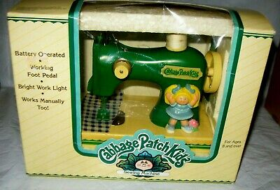 VINTAGE 1984 CABBAGE PATCH KIDS PLAY TOY SEWING MACHINE NEW in BOX RARE