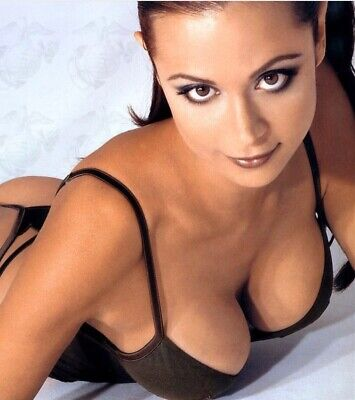 Catherine Bell - Fantastic Cleavage Shot !!!!