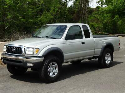 2004 Toyota Tacoma XtraCab SR5 4WD 4X4 5-SPEED PICKUP TRUCK! BED LINER BED COVER TOW BAR CD-PLAYER USB/AUX-INPUT CHROME BUMPERS RUNS GREAT