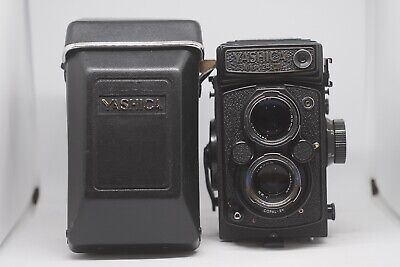 Yashica Mat 124G - With Case - Excellent Condition -