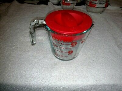 Vintage Pyrex 2 CUP Measuring Cup  Open Handle Red letters brand new