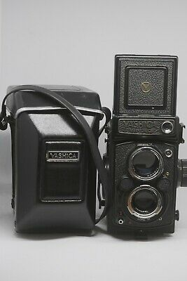 Yashica MAT 124G - Excellent Condition - With Case -