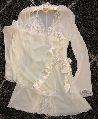 NWOT Victoria's Secret Women's  2Pc Babydoll & Robe Set Ivory Celebration