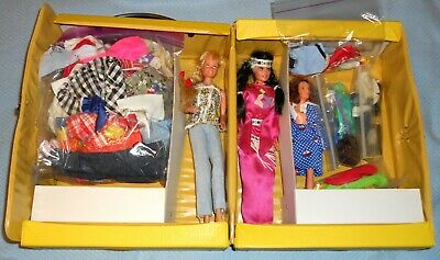 Vintage Barbie Fashion Doll Trunk + 1980's Barbie Dolls, Clothes, Accessories