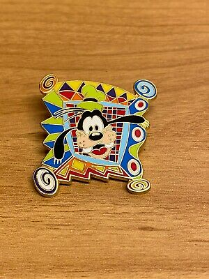 Walt Disney World 2000 Goofy Face Trading Pin