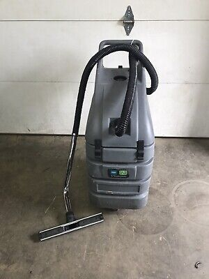 Nobles by Tennant Typhoon EV 608688 wet/dry vacuum Tested And Working