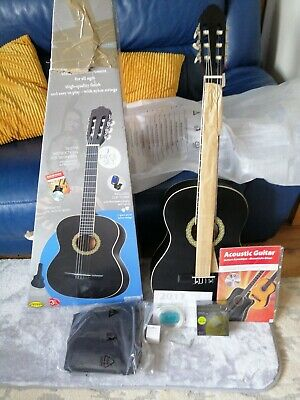 Black 39'' 4/4 Size Beginner classical Acoustic Guitar. Brand new  extra strings