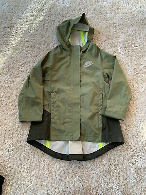 Girls Green Nike Rain Jacket S Age 6-8 Excellent Condition