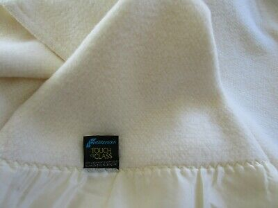 Vintage Fieldcrest Touch of Class Acrylic Thermal Blanket Twin 66 x 90 IVORY EUC
