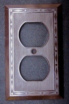 Leviton Outlet Plate Wall Cover Dots Diamonds Lines Brown Deco Bakelite Antique
