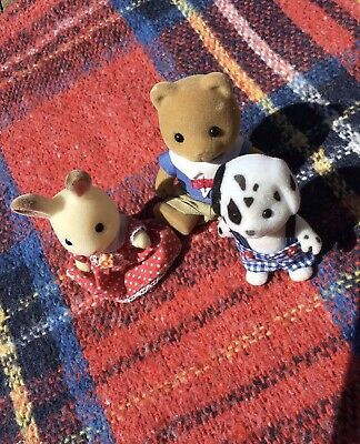 Sylvanian Families Friends Together Assortment Of 3 Figures With Clothes