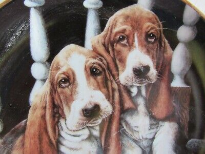 """Basset Hounds Collectors Plate """"  Upstairs, Downstairs"""" Love Puppies"""" D8557"""