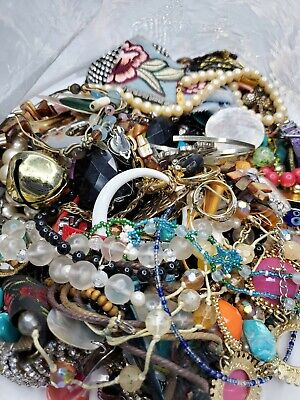 Jewelry CRAFT lot 5.0 pounds of non-wearable items.  Pics are of actual bag.