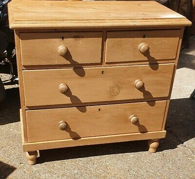 Antique waxed pine chest of drawers, lovely size, 2over 2
