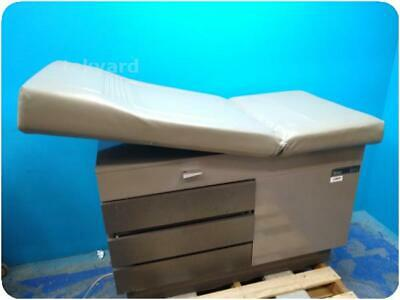 Midmark Ritter 104 ( 100-025 ) Examination Room Table @ (246760)