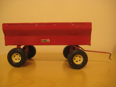 Vintage ERTL Metal Farm Wagon Trailer Toy w Movable Tailgate Red Made in USA
