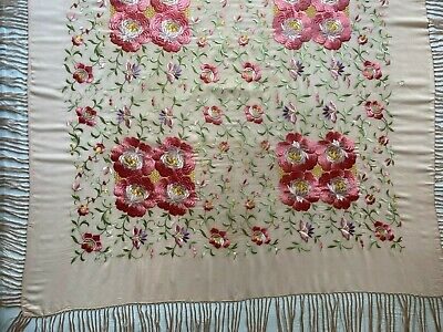 VTG Spanish shawl, pale pink silk & long fringe, embroidery bright pink flowers