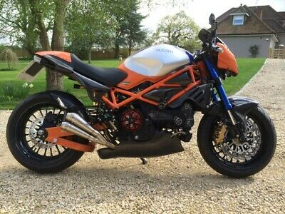 DUCATI MONSTER S4 996 CUSTOM SPECIAL STREET-FIGHTER. Complete with private reg