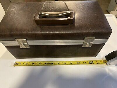 Light Brown Service MFG. ComPany 8-Track Storage Case Holds 15 Tapes.