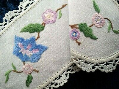 Lovely Anemone Flower  Vintage Hand embroidered Sandwich Doily