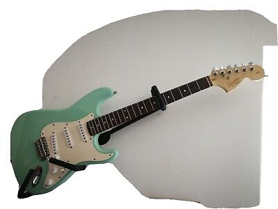 Squier by Fender stratocaster