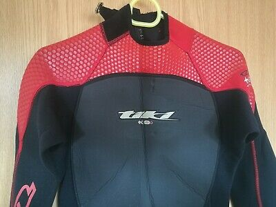 Womens Tiki wetsuit 3/2 size Small full-length