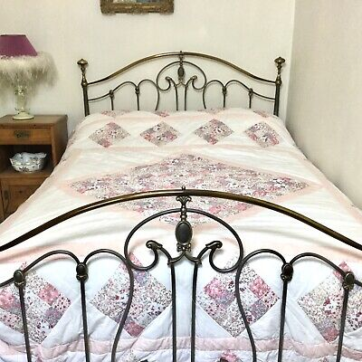 Pretty Pink Vintage Handmade Kingsize Double Patchwork Quilted Bedspread
