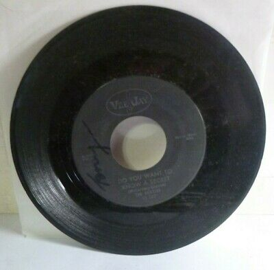The Beatles Do You Want To Know A Secret / Thank You Girl 1964 VEE JAY 45 VJ 587