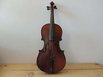Old full size Czechoslovakia violin vintage with case