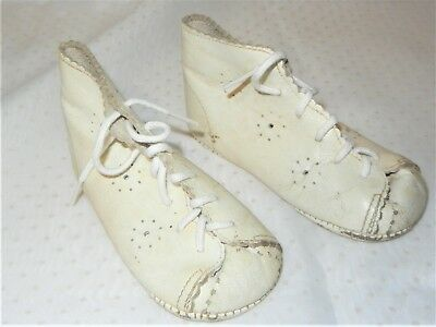 VINTAGE WHITE LEATHER BABY BOOTS CHILD'S by PARISETTE CANADA