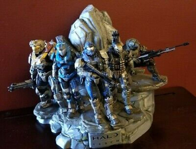 HALO: REACH Legendary Edition NOBLE Team Statue with game and complete