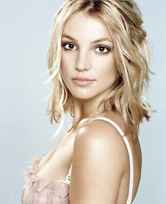 Britney Spears - What A Sweet Look !!!