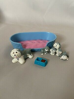 Littlest Pet Shop | Kenner | Vintage 1992 | Mother Dog And Puppies - Blue Bed