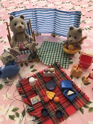Sylvanian Families Day At The Seaside Set Foxes. No Box, Used