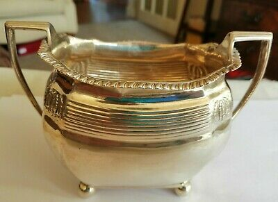 1890 Walter Barnard London sterling silver sugar bowl  - 142 gms