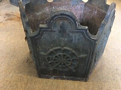 cast iron Old Hall Victoria Garden Planters Old Hall Hexagnal Old And Very Heavy