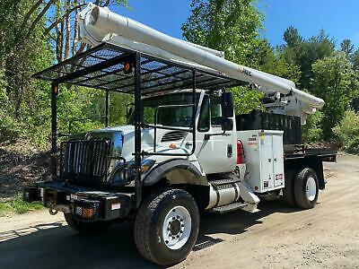 2009 International 7300 4X4 Altec 75' Elevator Bucket Truck