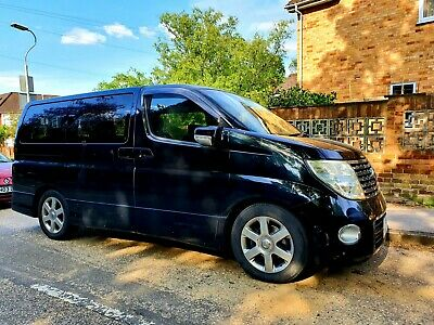 Nissan Elgrand E51 Highway Star 2.5 V6 Automatic 8 seater