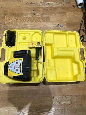 Leica rugby 100 laser level & Rod eye & Charger & Carry case