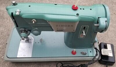 RARE!! MINT GREEN SINGER SEWING MACHINE 1960's   110-120V, 95 AMPS, CY50-60