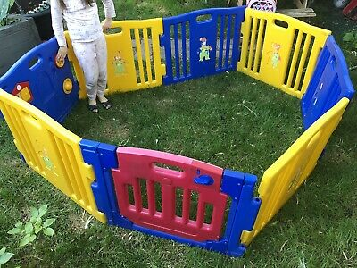 Play pen 8 Panels Square  with Gate