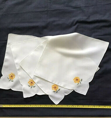 Vintage Embroidered Place Settings / Napkins