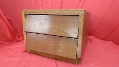 Wooden storage box for photographic transparencies