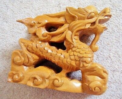 Hand Carved WOODEN Foo Dog / Lion Figure, Nice Detail, beautiful Wood
