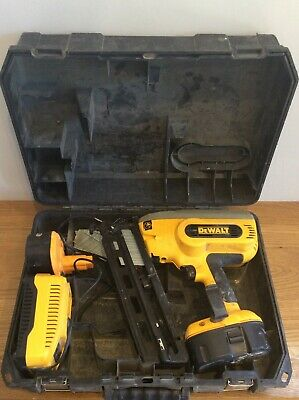 DEWALT 2nd Fix  DC618 Cordless Framing Nail Gun Ship Worldwide